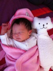 2011-04-23 Chloe met knuffel