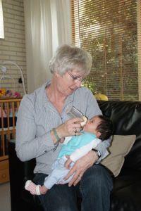 2011-04-29 Chloe met oma Coby