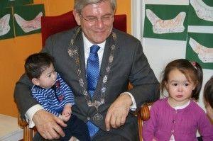 2014-01-22 Kids voorgelezen door Burgemeester Aprtoor8
