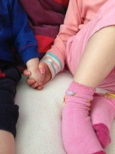 2014-04-11 Kids romantisch samen op bed2
