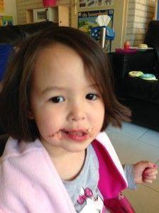 2014-04-18 Chloe heeft lekker chocolade op1