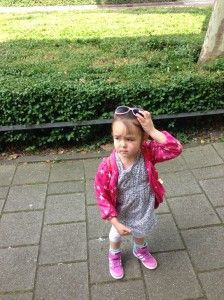 2014-06-01 Chloe klaar om te shoppen1