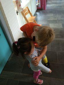 2014-09-02 Chloe neemt gepast afscheid van haar vriendje Alex4