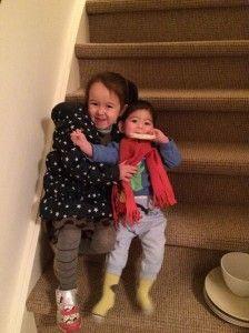 2014-12-04 Kids samen op de trap