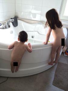 2015-04-17 Kids kunnen niet wachten om in bad te gaan
