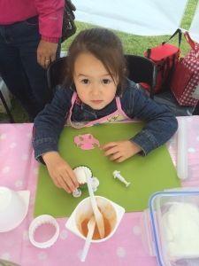 2015-05-30 Kids bij Cakes2Go markt12