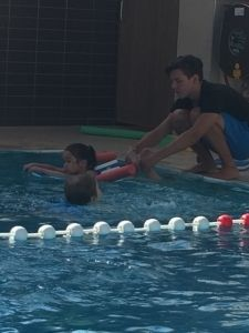 2015-08-22 Chloe en haar eerste zwemles14