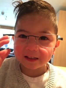 2015-10-08 Sylvian met bril van papa6