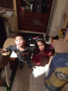 2015-11-18 Kids zetten schoen1