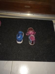 2015-11-18 Kids zetten schoen2