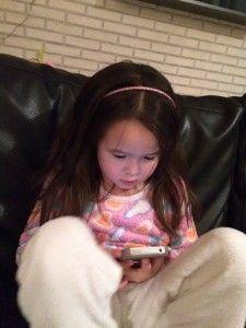 2016-01-17 Chloe heeft eindelijk haar eigen iPhone2