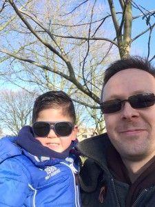 2016-01-28 Sylvain en papa met zonnebril