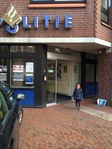 2016-02-23 Chloe doet aangifte3