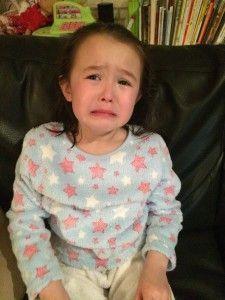 2016-02-23 Chloe huilt als papa uit eten gaat5