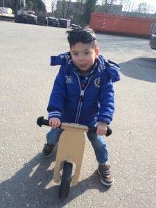 2016-03-10 Sylvain met loopfiets naar Casa2