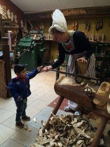 2016-03-13 Kids kaas klompen en Volendam015