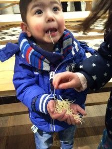 2016-03-13 Kids kaas klompen en Volendam073