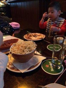 2016-03-13 Kids kaas klompen en Volendam090