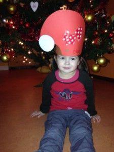 2013-12-24 Chloe met kerstmuts op creche6