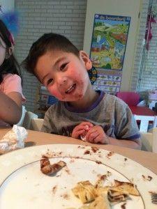 2016-07-06 Kids eten pannenkoeken5