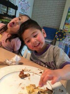 2016-07-06 Kids eten pannenkoeken7