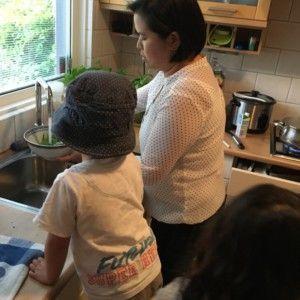 2016-08-02 Kids helpen met koken2