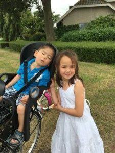 2016-08-07 Kids samen met papa fietsen2
