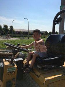 2016-08-27 Sylvain rijdt op wiellader7