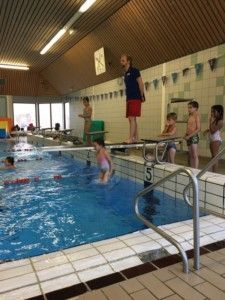 2016-10-30-chloe-afzwemmen-voor-a-diploma11